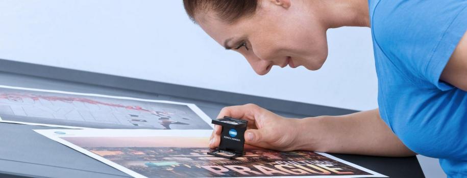 Stampanti all'avanguardia per l'industria delle arti grafiche: C1085 bizhub PRESS e C1100
